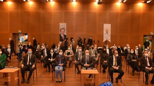 AKP Bursa İl Başkanı Davut Gürkan İl Yönetimini Tanıttı